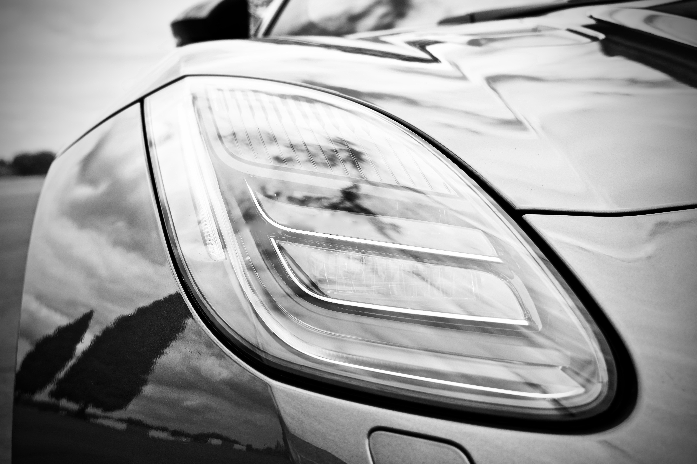 Jaguar F-Type V6 lights