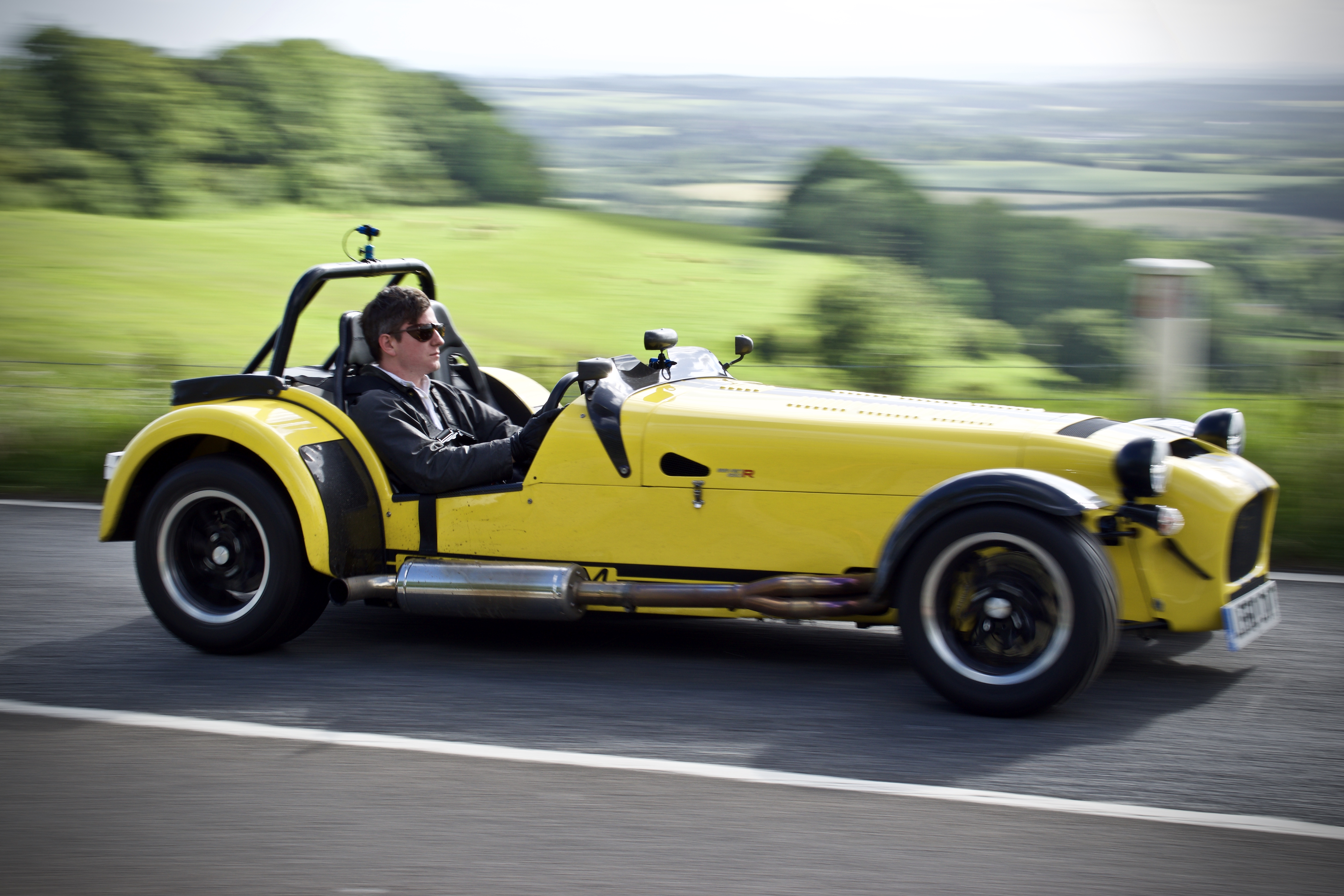 Caterham yellow 620R